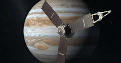 TechnoBlitz.it Juno manda le prime immagini di Giove