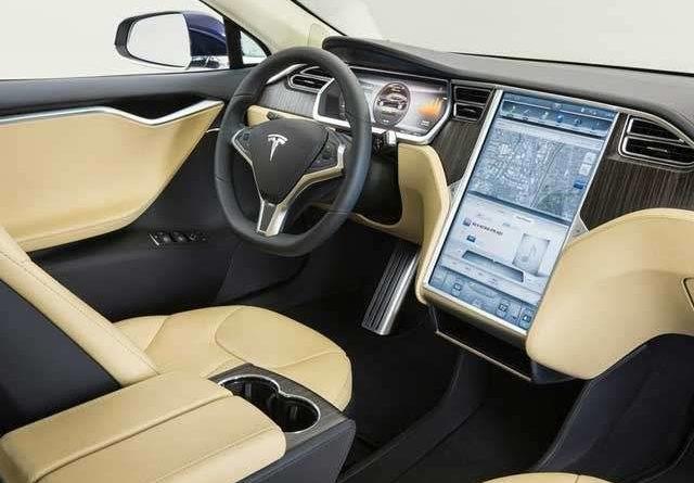 TechnoBlitz.it Tesla: in arrivo miglioramenti per l'autopilota