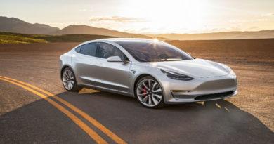 TechnoBlitz.it Tesla pronte per guidarsi in piena autonomia