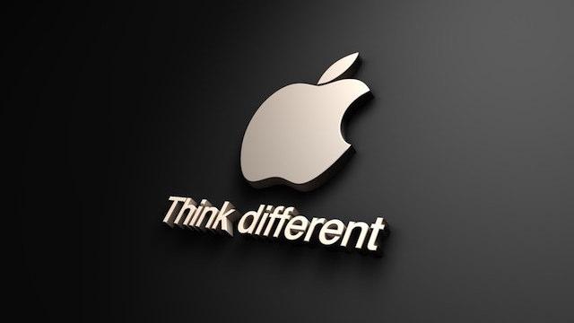 TechnoBlitz.it Apple cambia e passa ai display OLED e AMOLED per i futuri iPhone