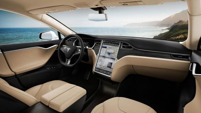 TechnoBlitz.it La Germania consiglia ai possessori della Tesla di andare cauti con il pilota automatico