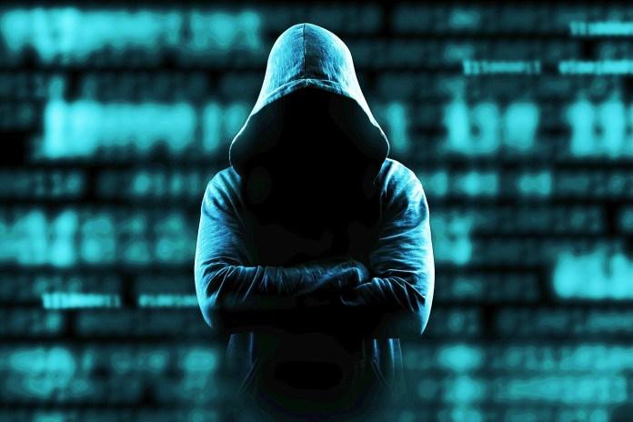 TechnoBlitz.it Tre Hackers Inglesi accusati di frode  TechnoBlitz.it Tre Hackers Inglesi accusati di frode