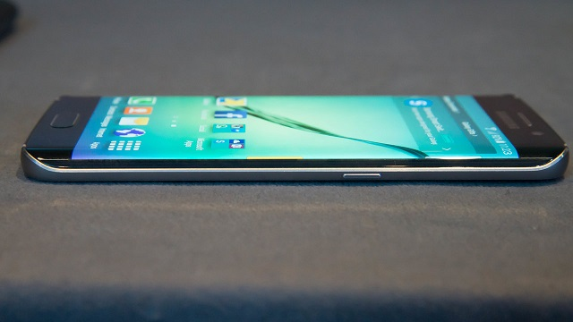 TechnoBlitz.it Galaxy S8 avrà il jack da 3,5 millimetri