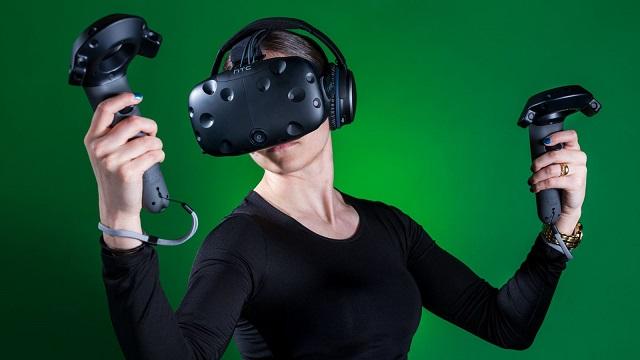 TechnoBlitz.it HTC Vive 2 sarà wireless e con risouzione 8k, presentazione al CES 2017?