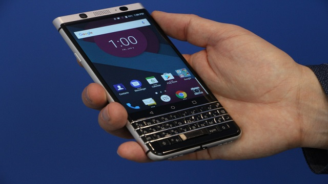 TechnoBlitz.it BlackBerry Mercury presentato al CES da TCL