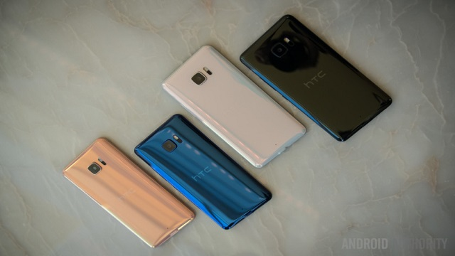 TechnoBlitz.it HTC U Ultra: caratteristiche tecniche del nuovo smartphone, doppio display