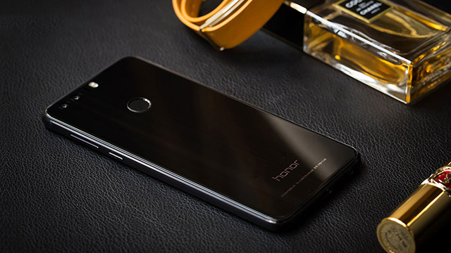 TechnoBlitz.it Honor 8 riceverà Android 7.0 Nougat dal 16 gennaio
