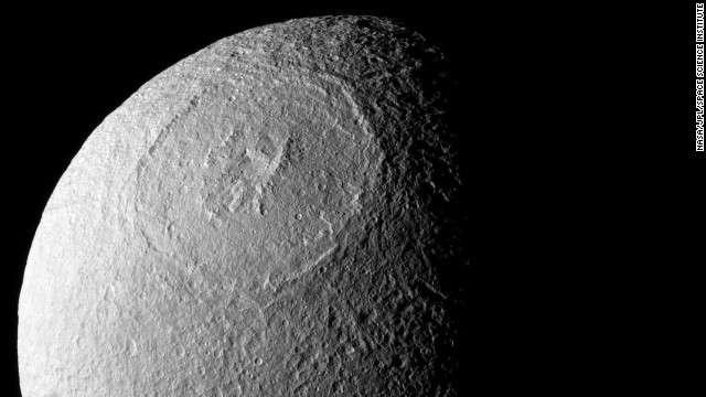TechnoBlitz.it Dione, altro satellite di Saturno visto da vicino