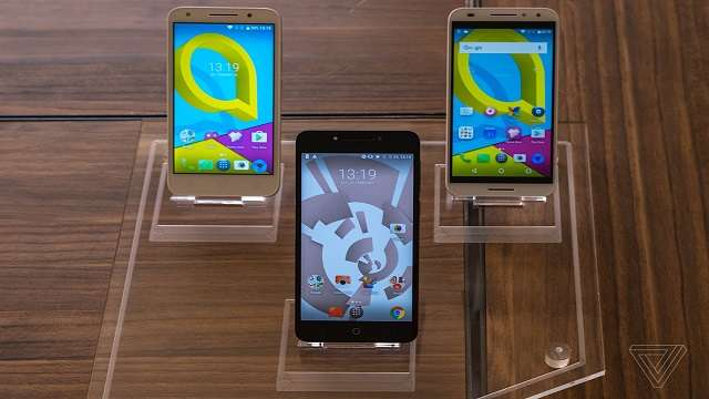 TechnoBlitz.it Alcatel si lancia nel mondo degli smartphone modulari
