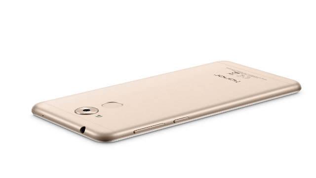 Honor 6C annunciato ufficialmente: 3GB RAM, Snapdragon 435 e corpo in metallo