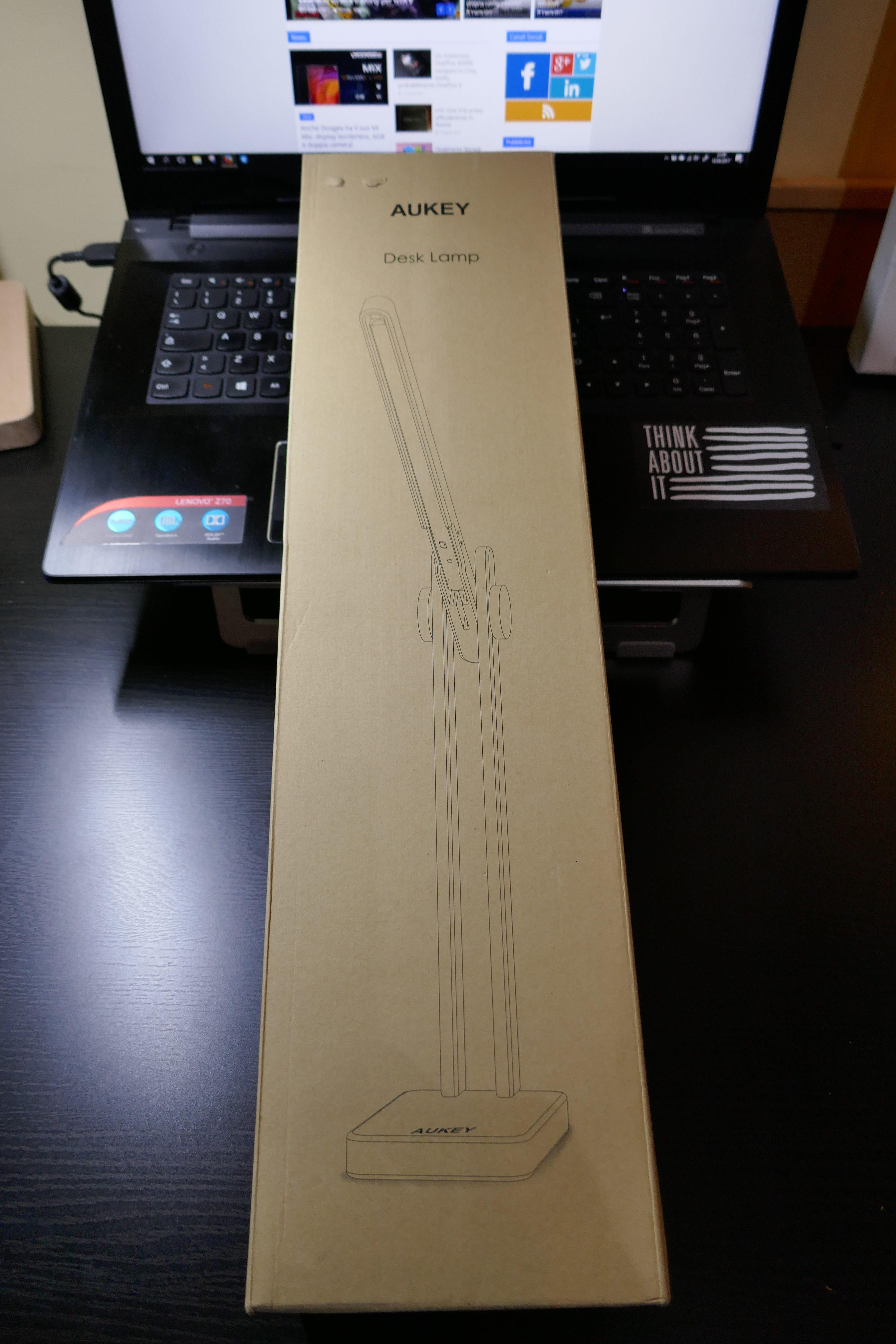 Lampada da tavolo led in legno aukey recensione for Lampada da tavolo design legno