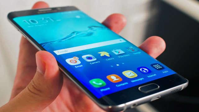 """Samsung Galaxy S7 Edge è stato nominato """"Best Smartphone of the Year"""""""