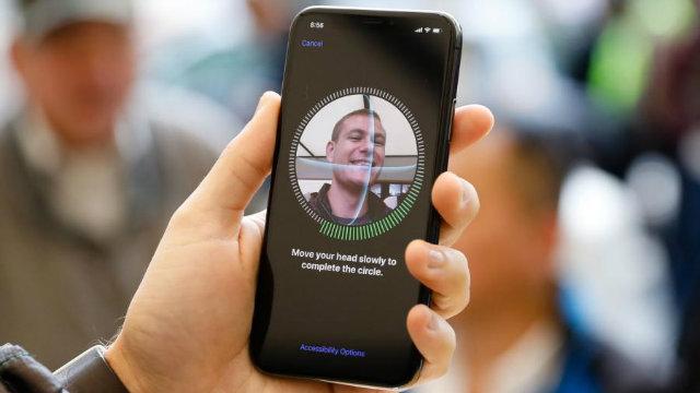 """Apple: i tentativi di Android di copiare il Face ID faranno """"tutti schifo"""""""